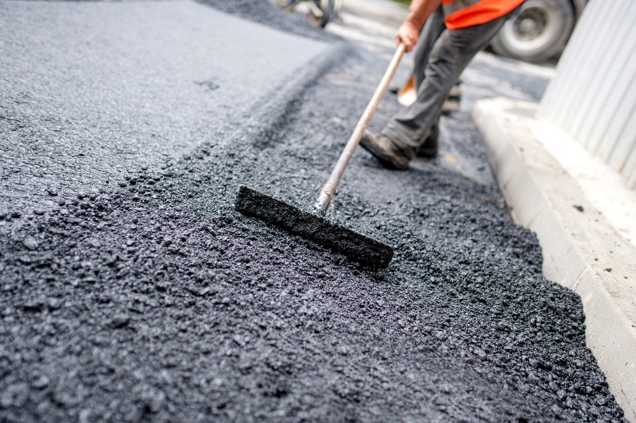 How Hiring The Right Asphalt Paving Company Saves You Money In The Long-Term